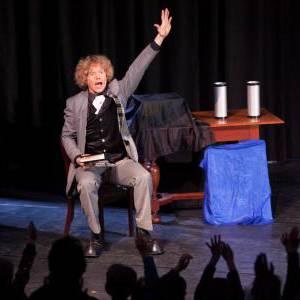 Boeken of inhuren van Magic Circus Comedy Show