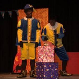Een Taart voor Sinterklaas - Filippo & Ricardo inzetten