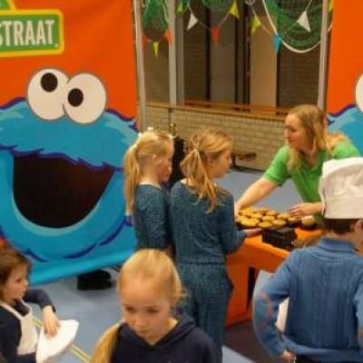 Fotoalbum van Sesamstraat Doe Dag | Looppop.nl