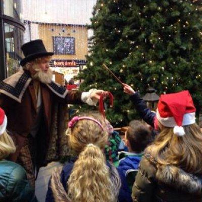 Foto van De Charles Dickens Goochelaar | Sint en Kerst