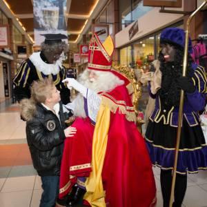 Sinterklaas met Zwarte Pieten inhuren