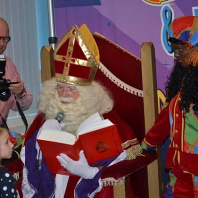 Fotoalbum van Bezoek Sinterklaas - Sinterklaas en 2 Zwarte Pieten | Kindershows.nl