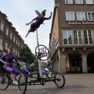Straatact Bike Babes inhuren?