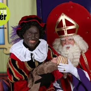 Sinterklaas en Zwarte Piet op de foto