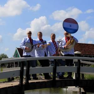 Swinging Dixieband - Delfts Blauw boeken?