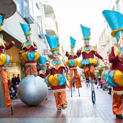 Circus Parade inzetten