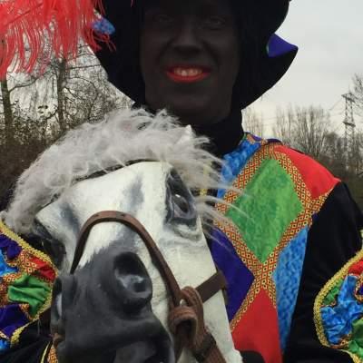 Foto van De Stalpiet met Amerigo | Sinterklaasshow.nl