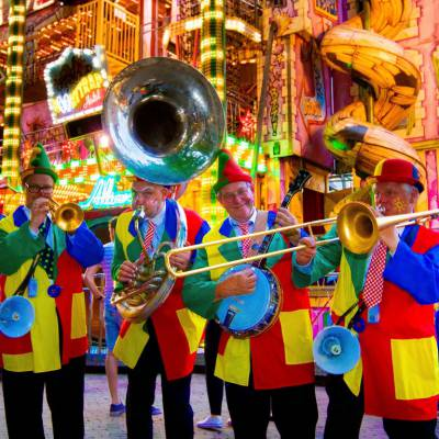 Swinging Dixieband - Clowns boeken?