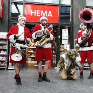 De Nieuwe Kerstmannen - Kerstmannen Fanfare boeken?