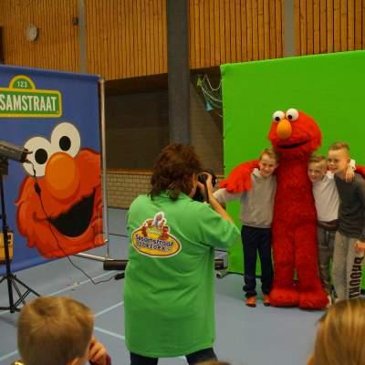 Fotoalbum van Op de foto met Elmo uit Sesamstraat | Looppop.nl