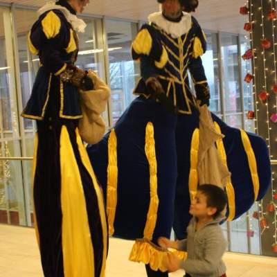 Foto van De Dikke & de Dunne Piet - Steltloopact | Sinterklaasshow.nl