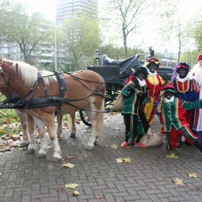 Fotoalbum van Bezoek Sinterklaas - Sinterklaas en 4 Zwarte Pieten | Kindershows.nl