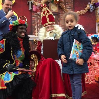 Fotoalbum van Bezoek Sinterklaas - Sinterklaas en 4 Zwarte Pieten | Attractiepret.nl
