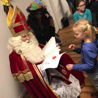 Fotoalbum van Bezoek Sinterklaas - Sinterklaas en 6 Zwarte Pieten | Attractiepret.nl