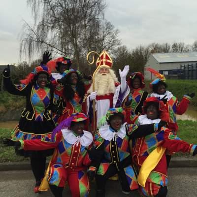 Foto van Bezoek Sinterklaas - Sinterklaas en 8 Zwarte Pieten | Sinterklaasshow.nl