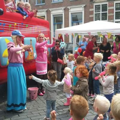 Fotoalbum van De Wielen van de Bus - Muziekshow | Kindershows.nl