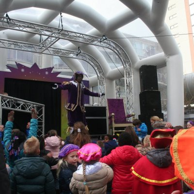 Zwarte Piet Babello - Sinterklaasshow boeken of inhuren?