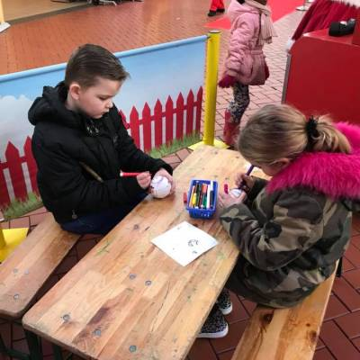 Foto van Kids Workshop - Kerstballen maken | JB Productions