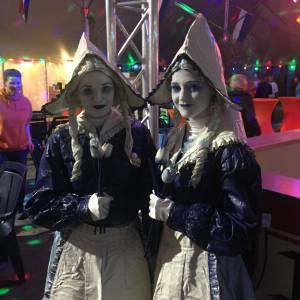 Delfsblauwe dames inhuren