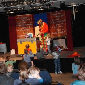 Sinterklaaspret met Clown Flap boeken of inhuren