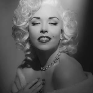 Look a Like Marilyn Monroe boeken of inhuren?