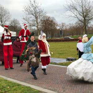 Kerstman met Rudolph boeken of inhuren?