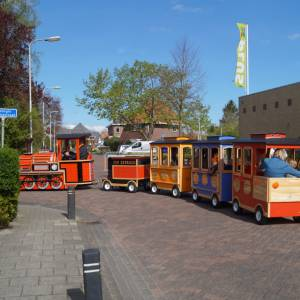 De Elektrische Kindertrein met Locomotief huren