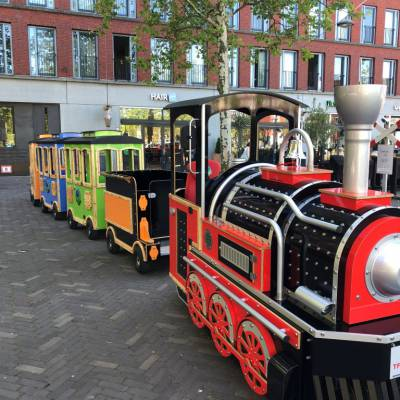 Elektrische Kindertrein met Locomotief boeken