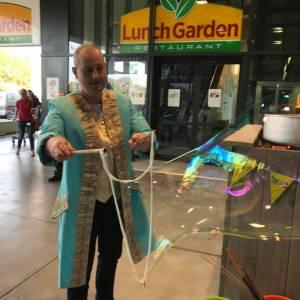 Bubbels en Bellen - Bellenblaas workshop huren