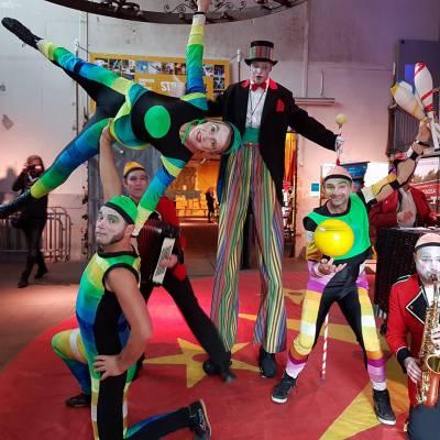 Het Kleurrijke Circus boeken?