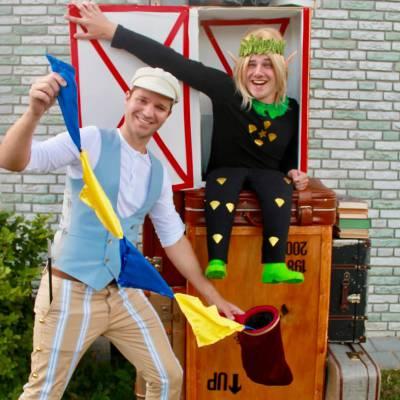 Koffers vol Betoveringen - Straattheater Act inhuren