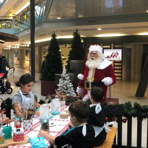 De Kerstman vertelt inhuren?
