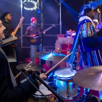 De Sint & Friends Liveband inhuren of boeken