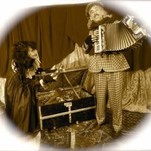 Scrooge & Miss Applepie boeken of inhuren?