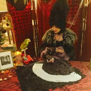 Madame Roza - Waarzegster inhuren