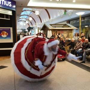 De Wobbeling Kerstman inhuren?