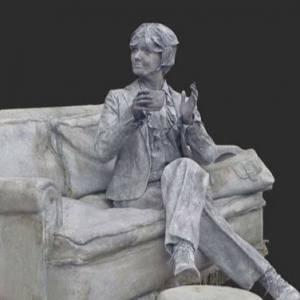 Levend Standbeeld - De Dame op de Bank inzetten?