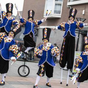 Circus Masqué straattheater inzetten