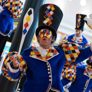 Circus Masqué straattheater inzetten of inhuren