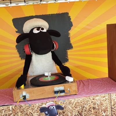Shake it met Shaun - Minishow boeken of inhuren?