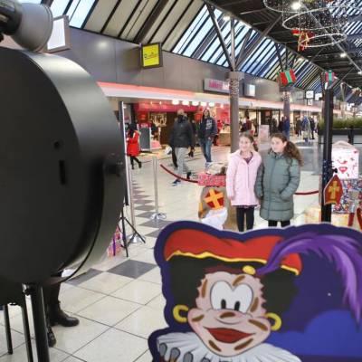 Fotoactie met Sinterklaas boeken