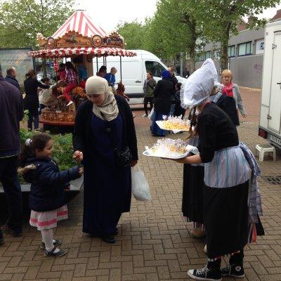 2 Oud-Hollandse Kaasmeisjes boeken