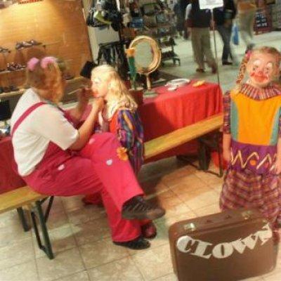 Workshop Clownerie en theater boeken of huren