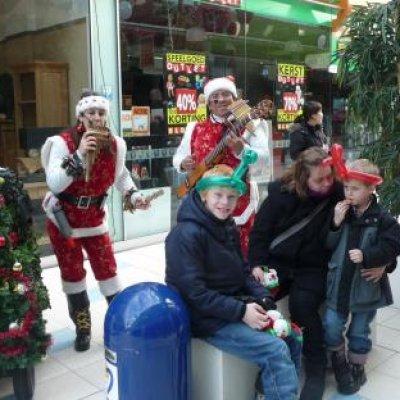 Foto van Zingende Kerstfiguren - Mobiele Kerstmuziek | SintenKerst