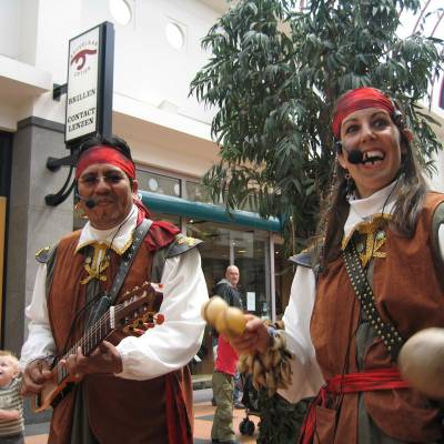 Los del Sol - Pirates of the Caribbean muzikaal duo inhuren?