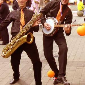 Muzikaal Oranje Duo inhuren?