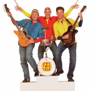 One Two Trio - Feestband inhuren
