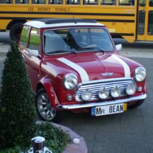 Mr. Bean Look a Like - minicooper