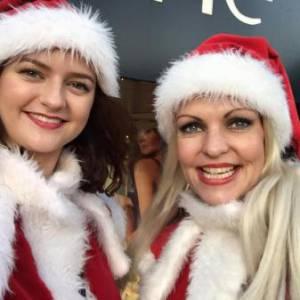 2 Steltlopende Kerstfiguren