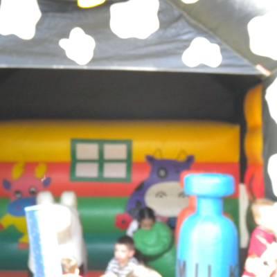 Foto van Springkussen Bertha de Opblaasspeeltuin | Kindershows.nl